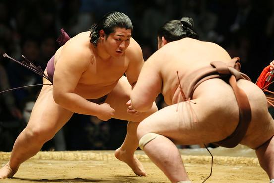 BN-CY554_sumo_G_20140527043434.jpg