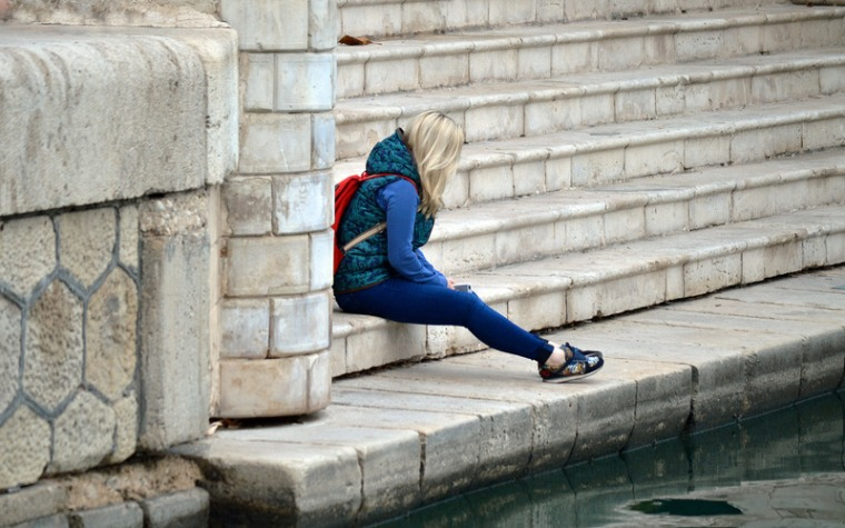 canva-loneliness,-alone,-aloneness,-sad,-sadness,-girl,-woman-MACV4DOzwCs.jpg